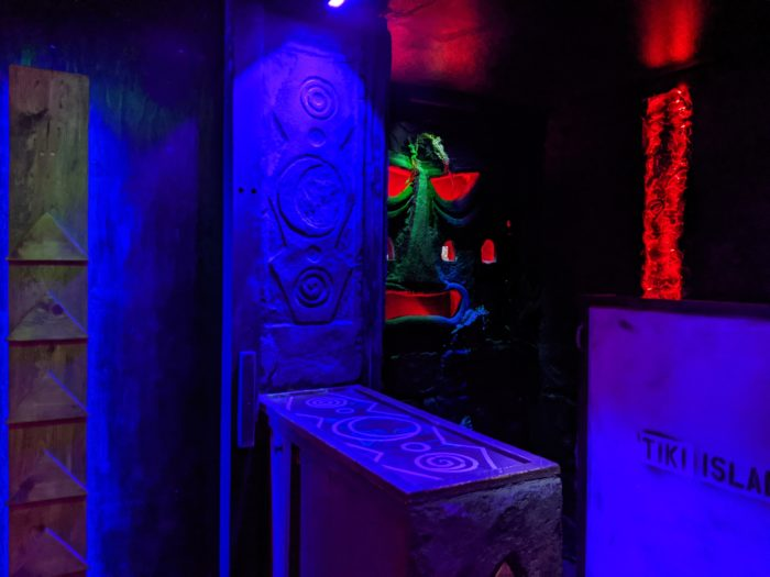Picture of escape room set.